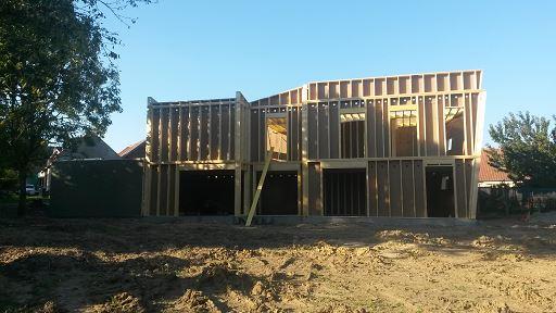 Comment construire une maison en bois terre et avenir for Comment construire ma propre maison